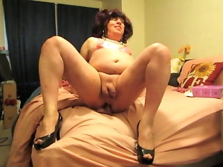 crossdresser Scrimp Wanting To Become Join in matrimony amateur